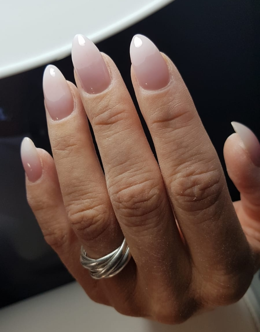 Roze-wite nagels